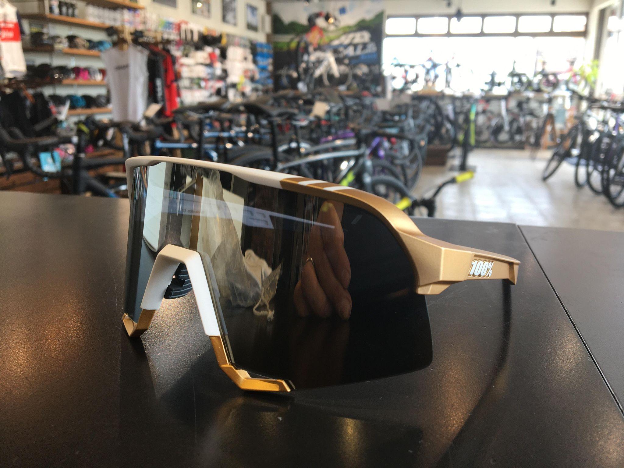100% ゴールドカラーの限定サガンモデルサングラスを限定販売!!